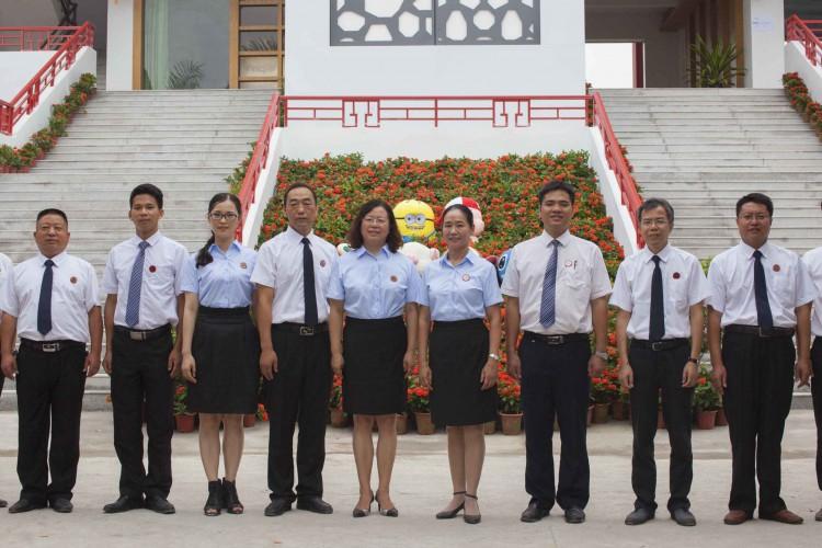 湛江北大附属实验学校领导班子